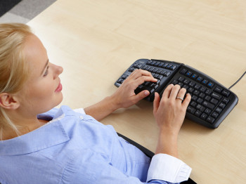 goldtouch posture keyboard, goldtouch numeric keypad, ergonomic keyboard, V shaped keyboard, split keyboard, separated keyboard, ergonomic split keyboard, tent keyboard,
